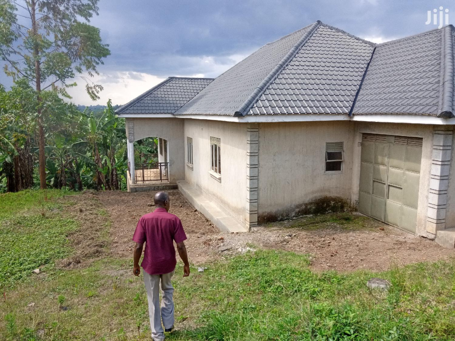 Archive: House in Booma Fort Portal on Sale