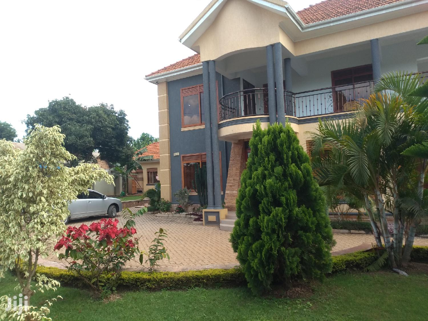 Archive: Six Bedrooms House for Sale Ntinda Kira Road
