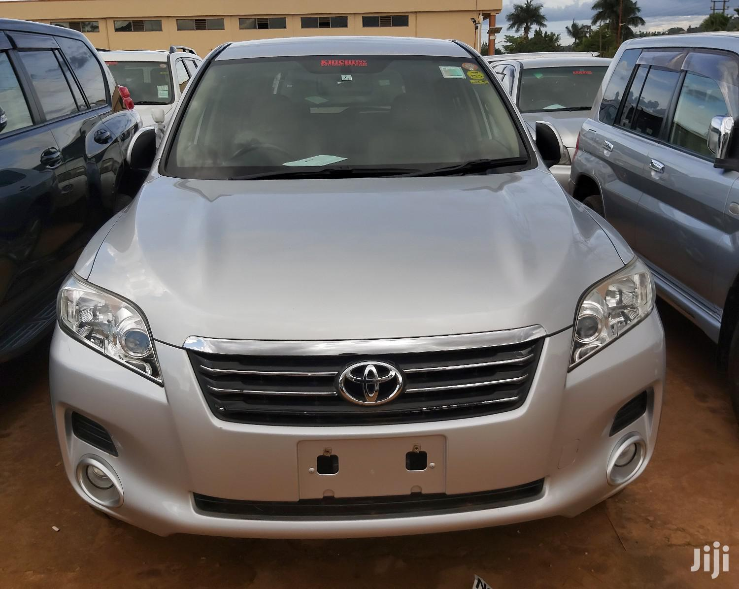 Archive: Toyota Vanguard 2008 Silver