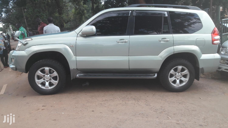 Archive: Toyota Land Cruiser Prado 2004 Green