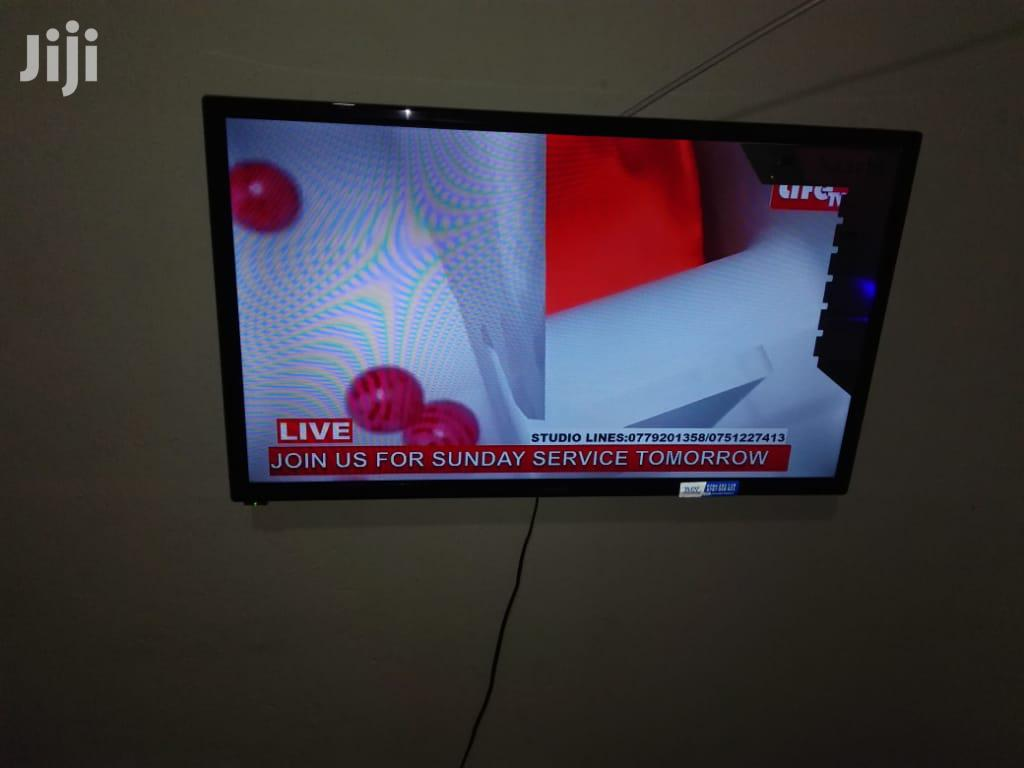 """32"""" Sachi With Decoder N Wall Mounts 