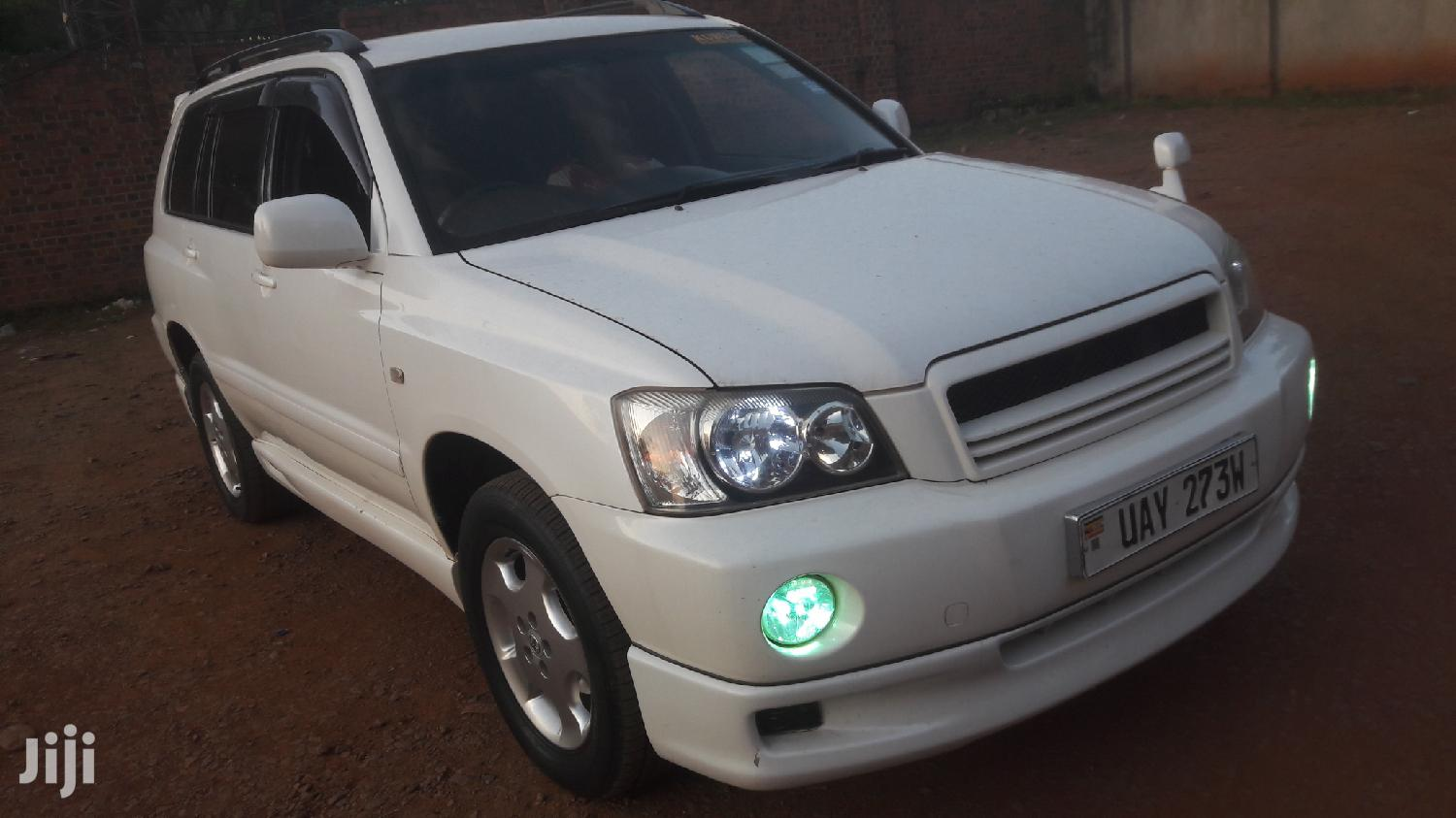 Archive: Toyota Kluger 2002 White