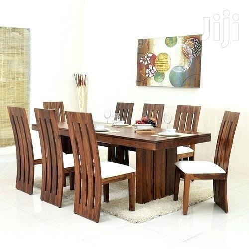 Archive: Mahogany 8 Seat Dinning Table With White Cusions