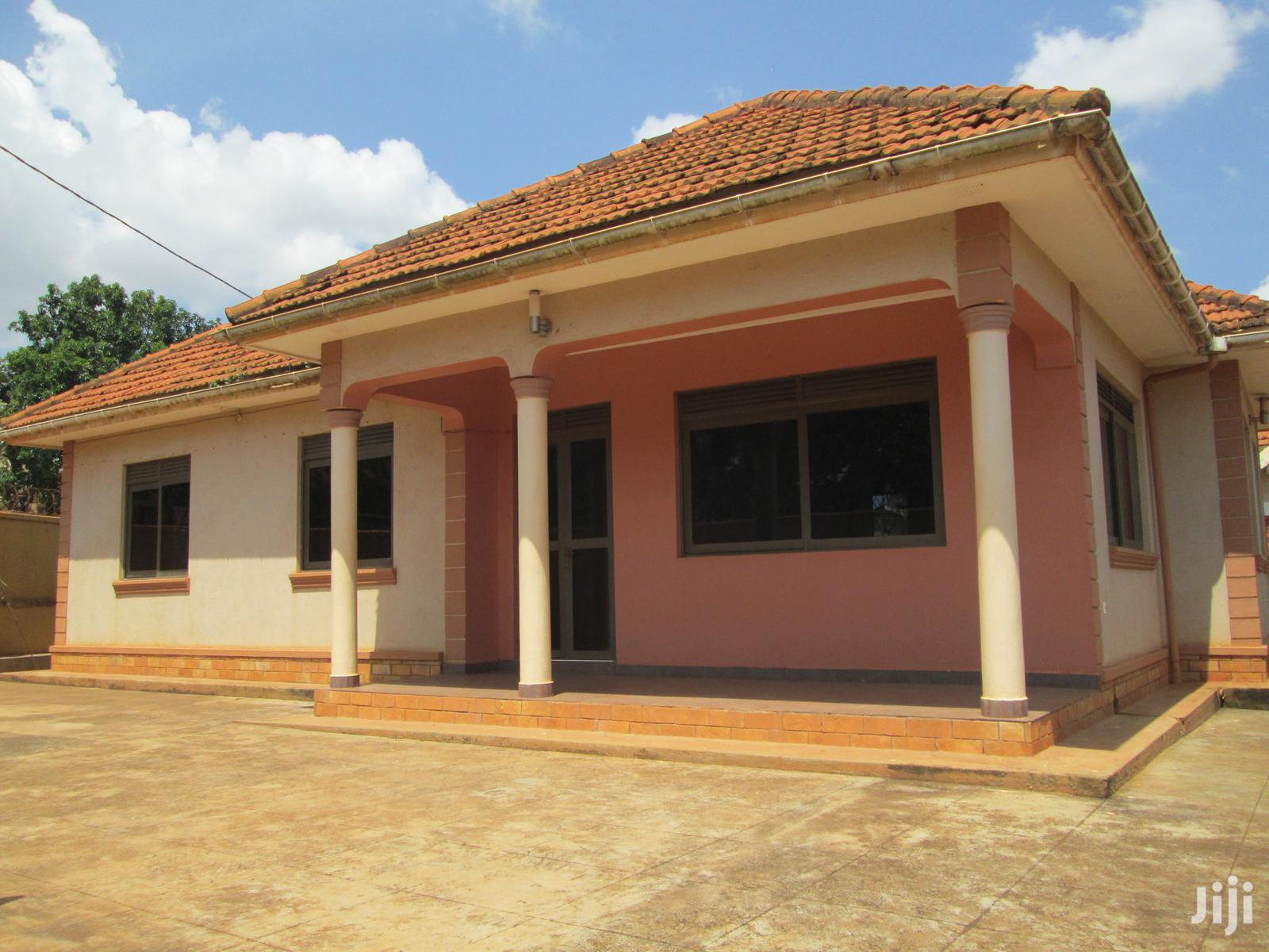 Four Bedroom House In Kirinya Bukasa Road For Rent