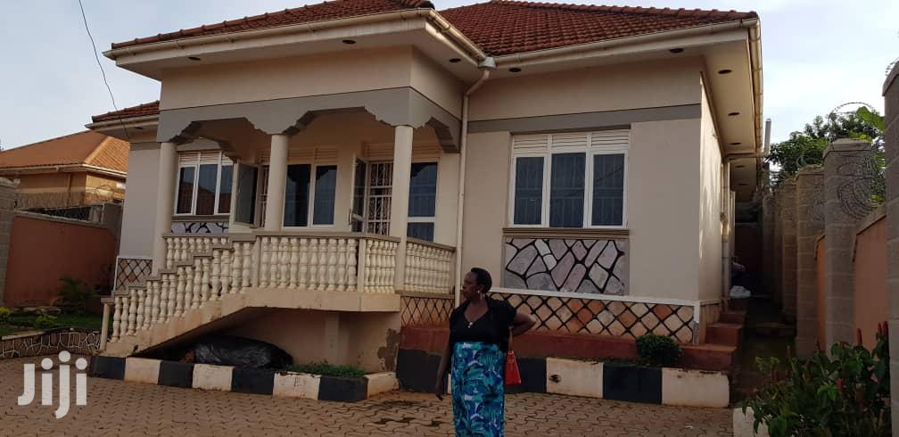 Four Bedroom House In Nalumunye Entebbe Road For Sale