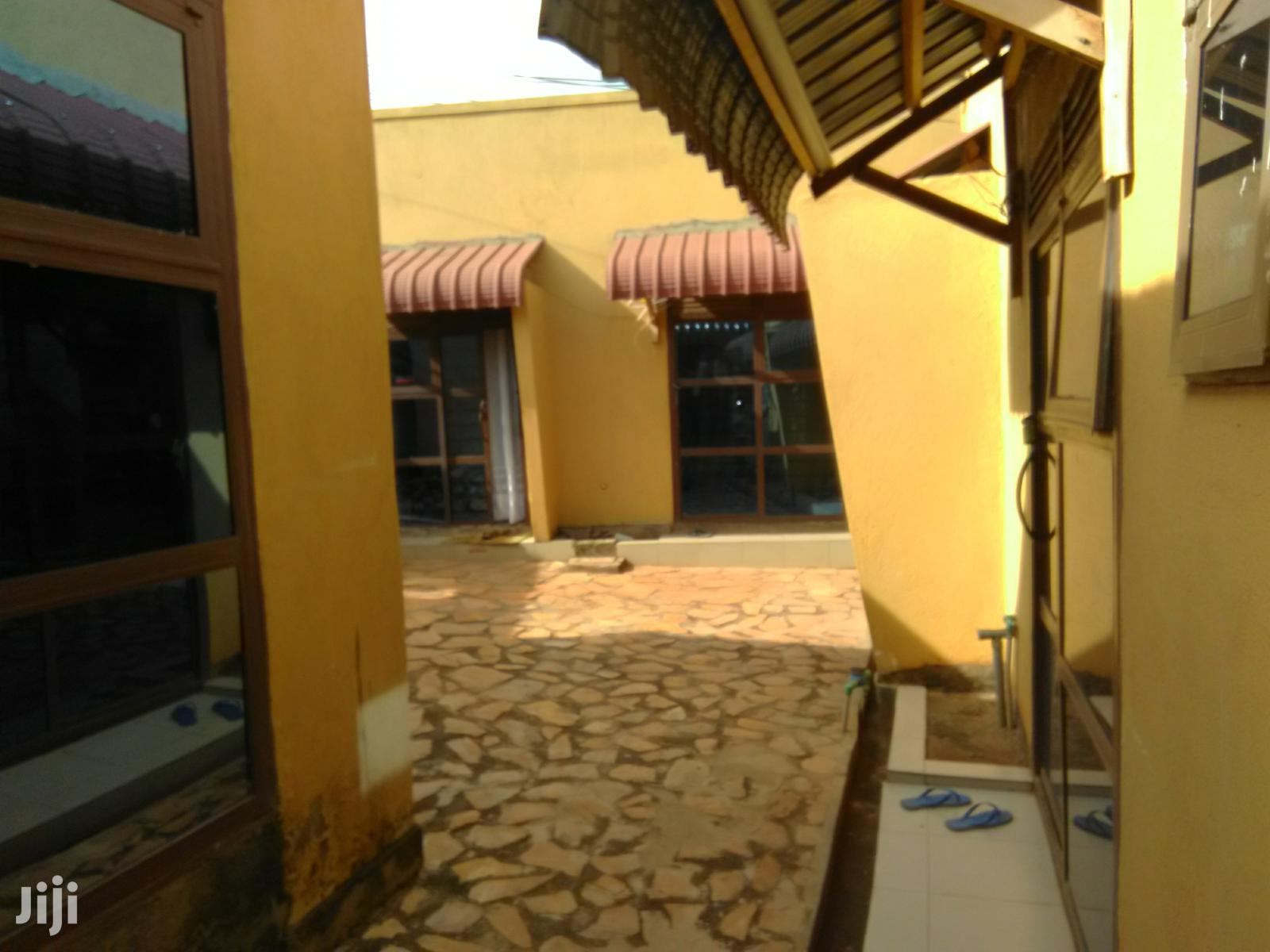 Very Specious Single Self Contained Room for Rent in Makindye Near Rd