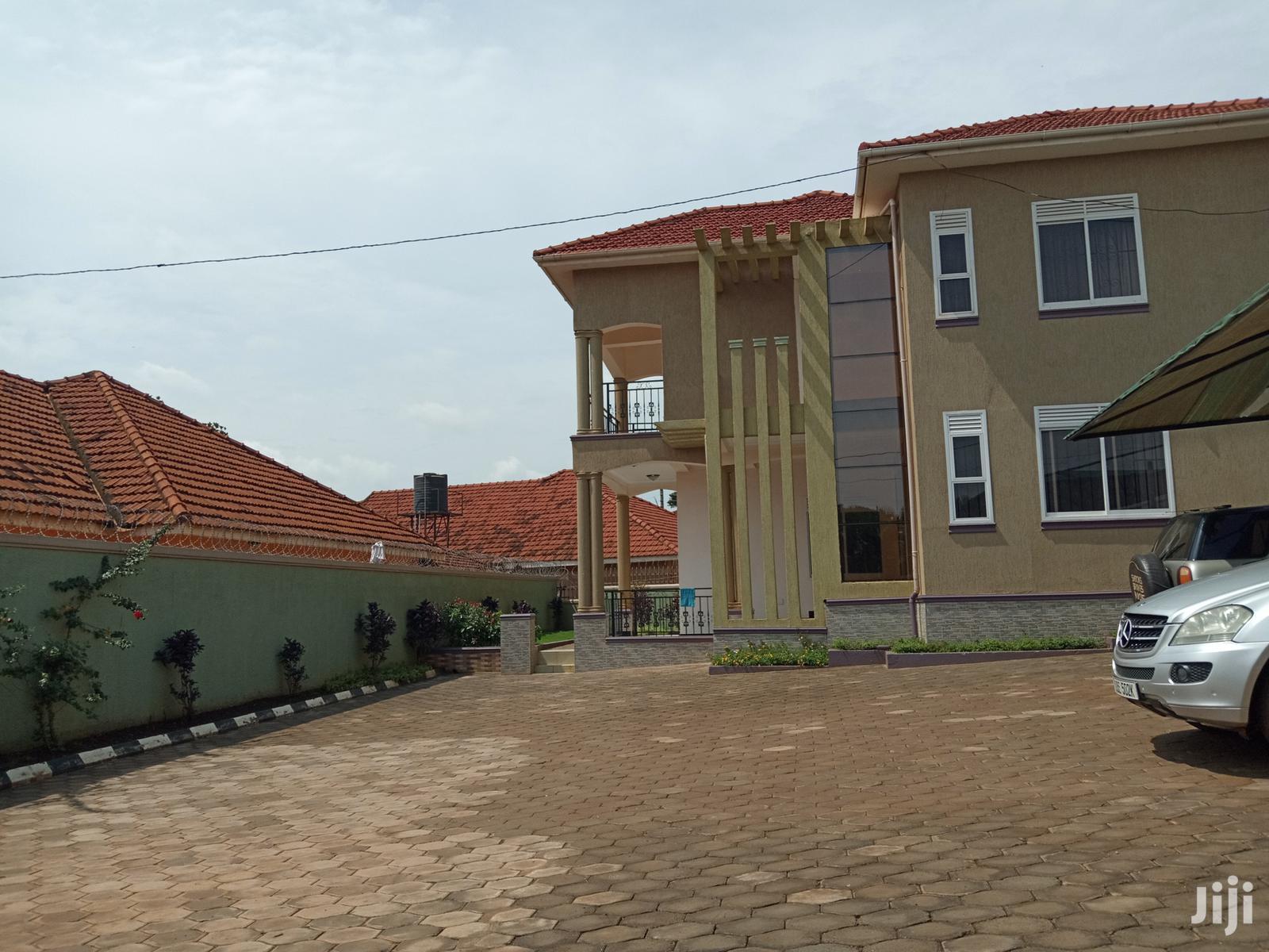 Kiwatule Gorgeous Mansion on Sell