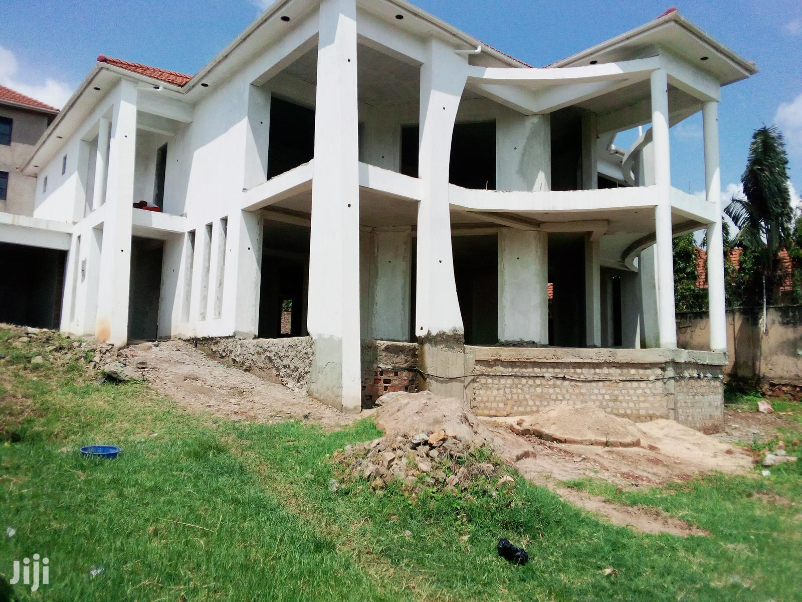 Five Bedroom Mansion In Bunga For Sale