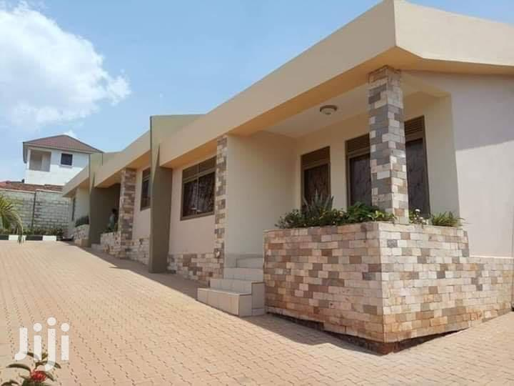 Double Room House In Kira For Rent