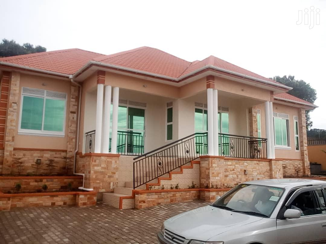 On Sale In Kitende::3bedrooms,3bathrooms,On 13decimals Asking