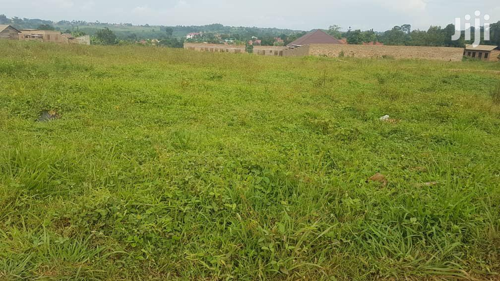 Cheap Plots for Sale in a New Estate