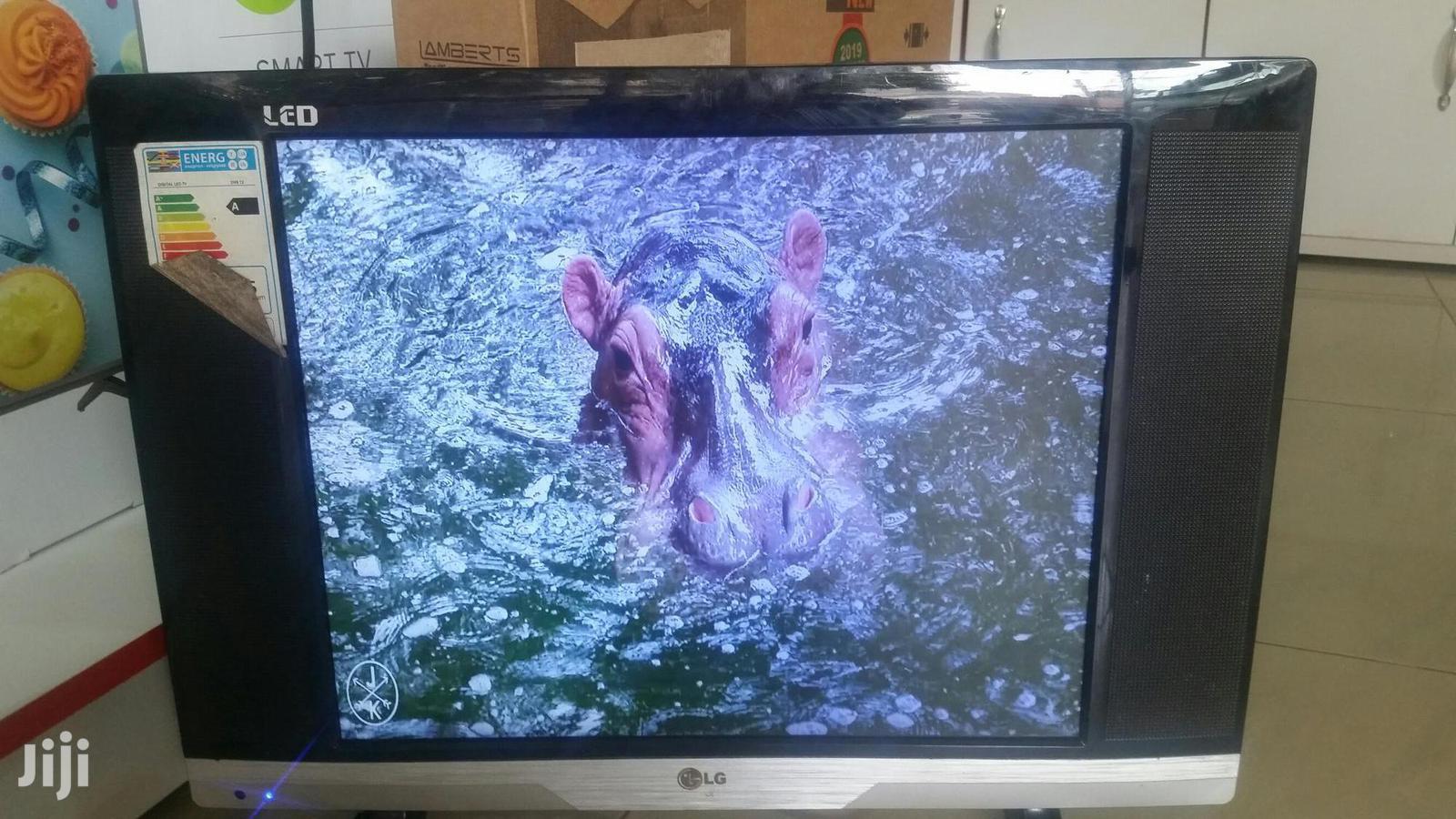 LG Flat Screen Tv 22 Inches