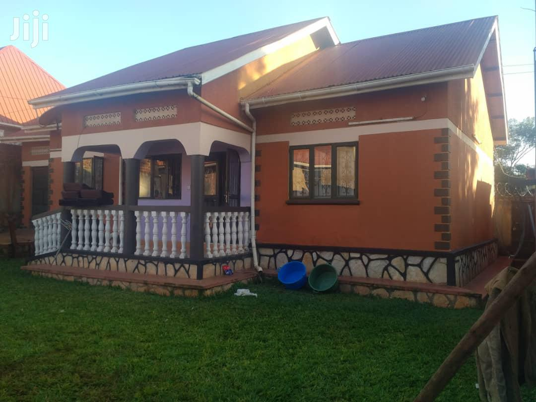 Hot Three Bedroom House In Kitende Entebbe Road For Sale | Houses & Apartments For Sale for sale in Kampala, Central Region, Uganda