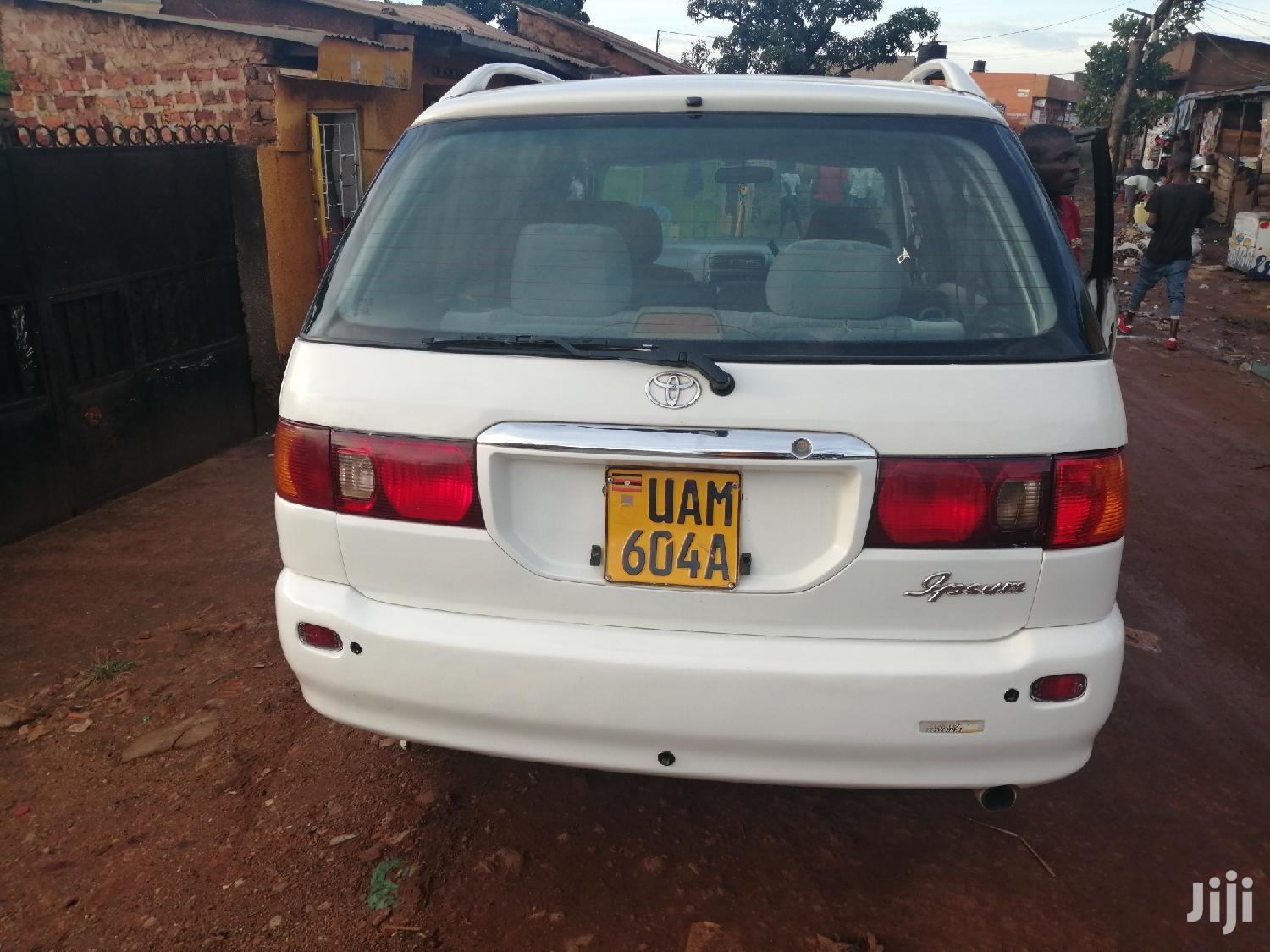 Toyota Ipsum 2000 White | Cars for sale in Kampala, Central Region, Uganda