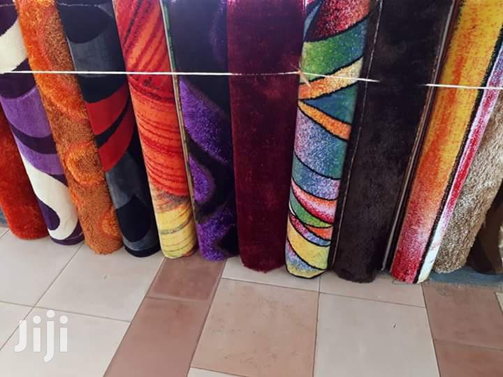 Modern Center Carpets