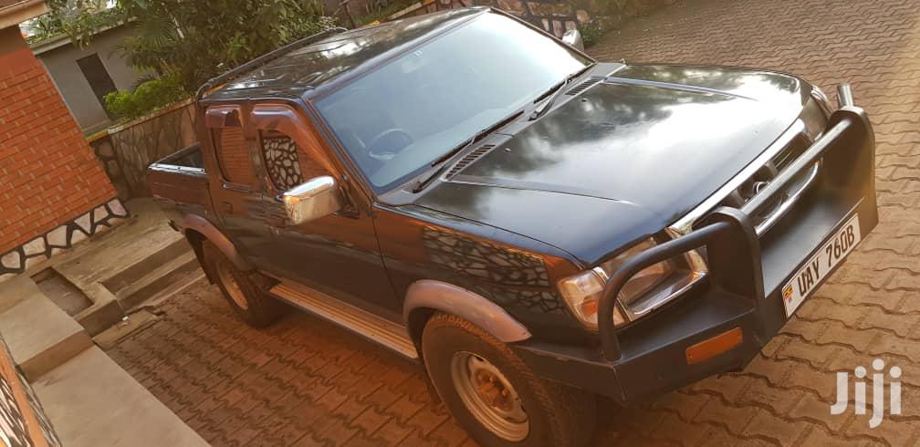 Archive: Nissan DoubleCab 2004 Black