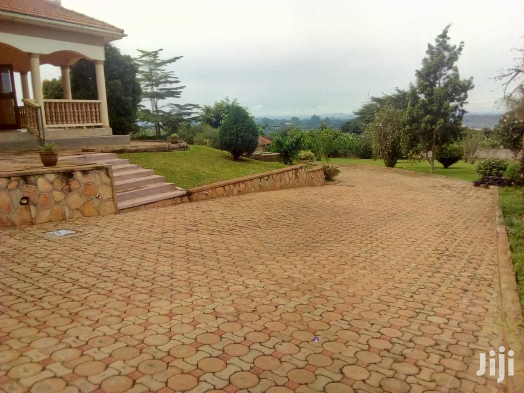Archive: Mansion House on Sale Located at Matugga Kigoggwa Just 1kilometer