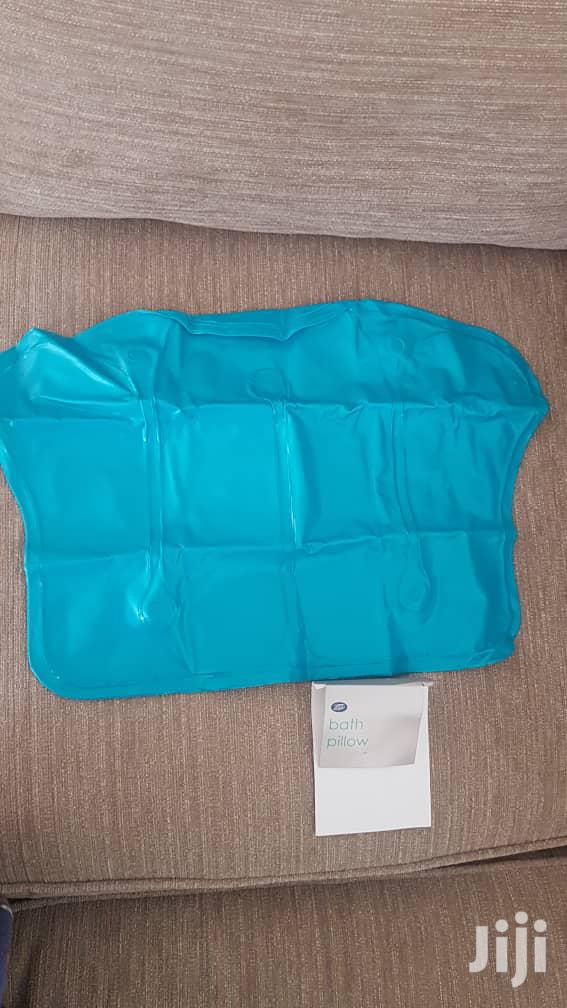 Bath Pillow With Suction Cups Neck And Back Support