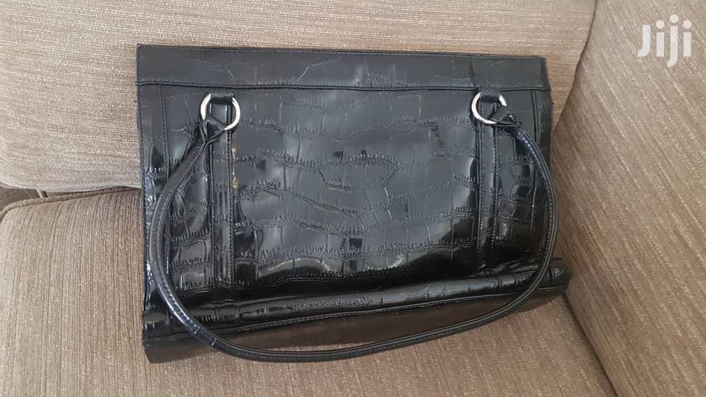Black Shoulder Lady Bag