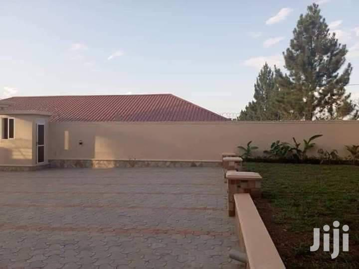 Archive: Five Bedroom Mansion In Kira For Sale