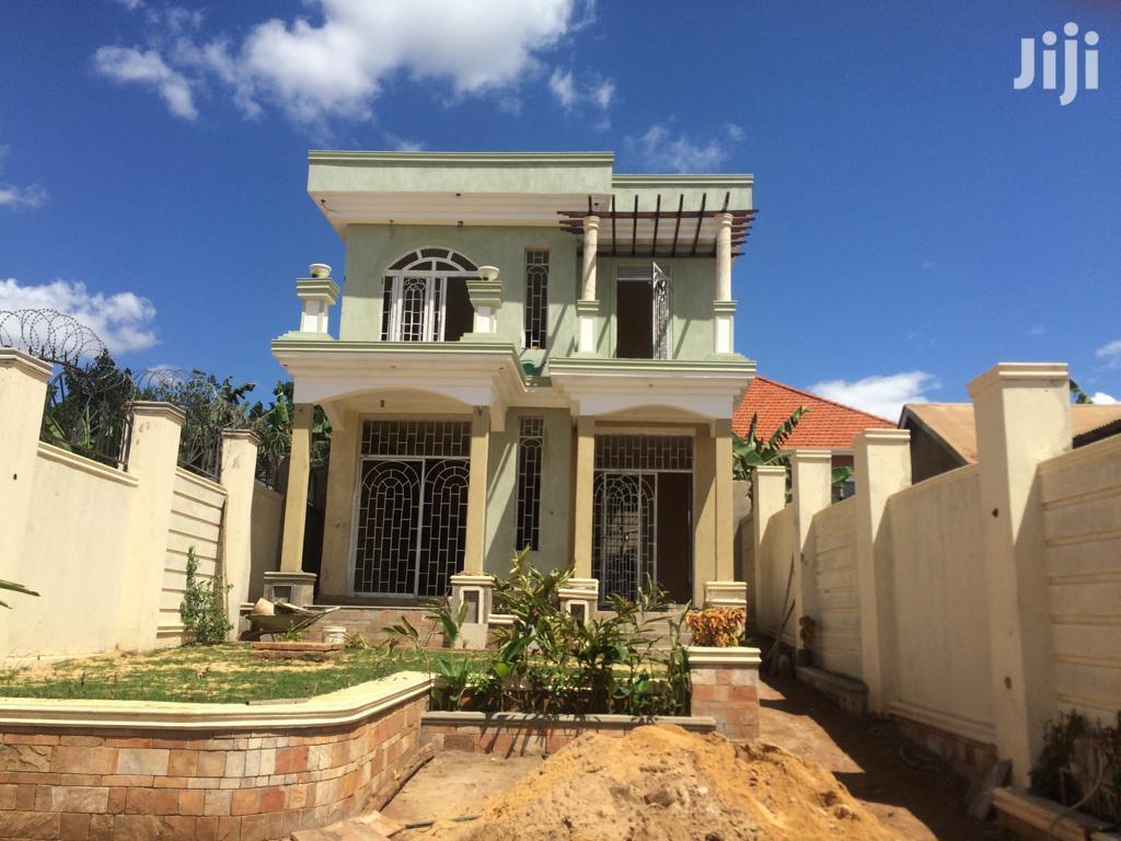 Archive: Kira Stunning House on Sell