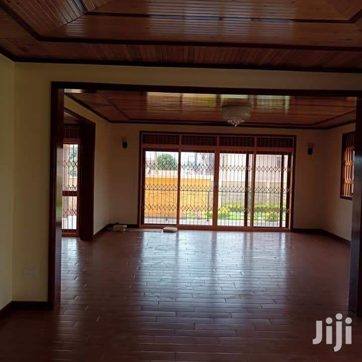 For Sale 5 Bedrooms House On Sale In The Heart Of Bunga Kawuku