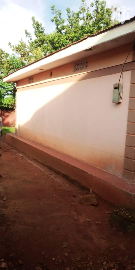 Archive: New 3bedroom in Bweya Town on Entebbe Road