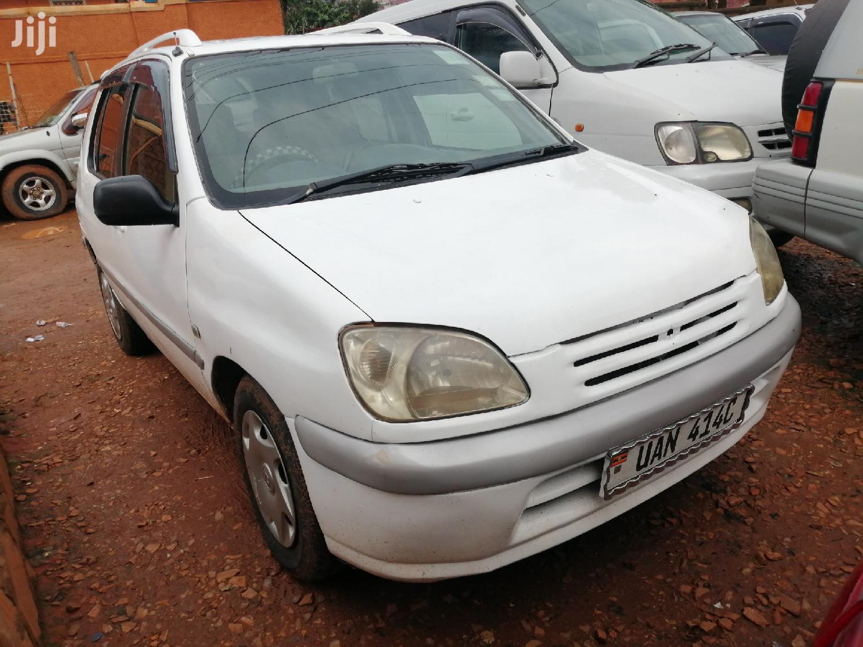 Toyota Raum 1998 White