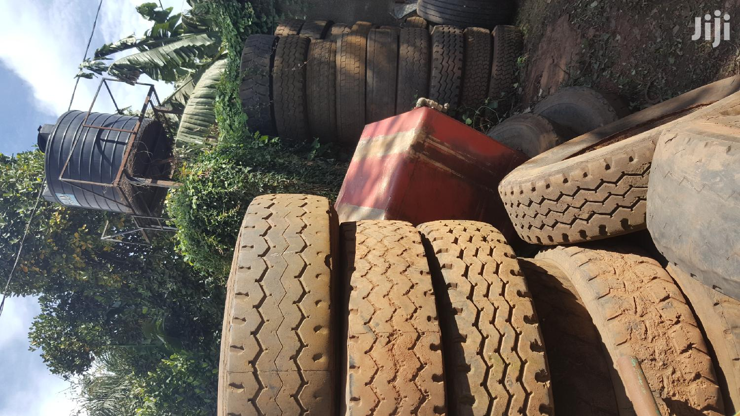 Used Truck Tyres And Accesories