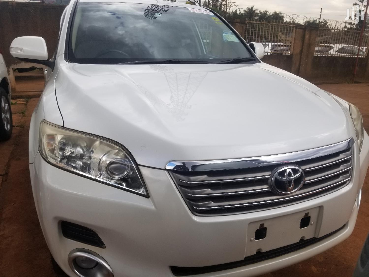 Toyota Vanguard 2008 White | Cars for sale in Kampala, Central Region, Uganda