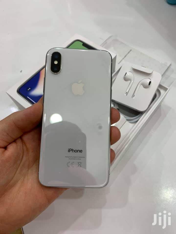 Archive: Apple iPhone X 64 GB