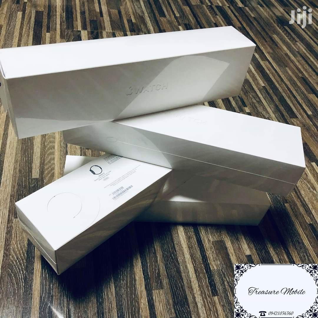 Apple Iwatch Series 5 ,44mm And 40mm | Smart Watches & Trackers for sale in Kampala, Central Region, Uganda