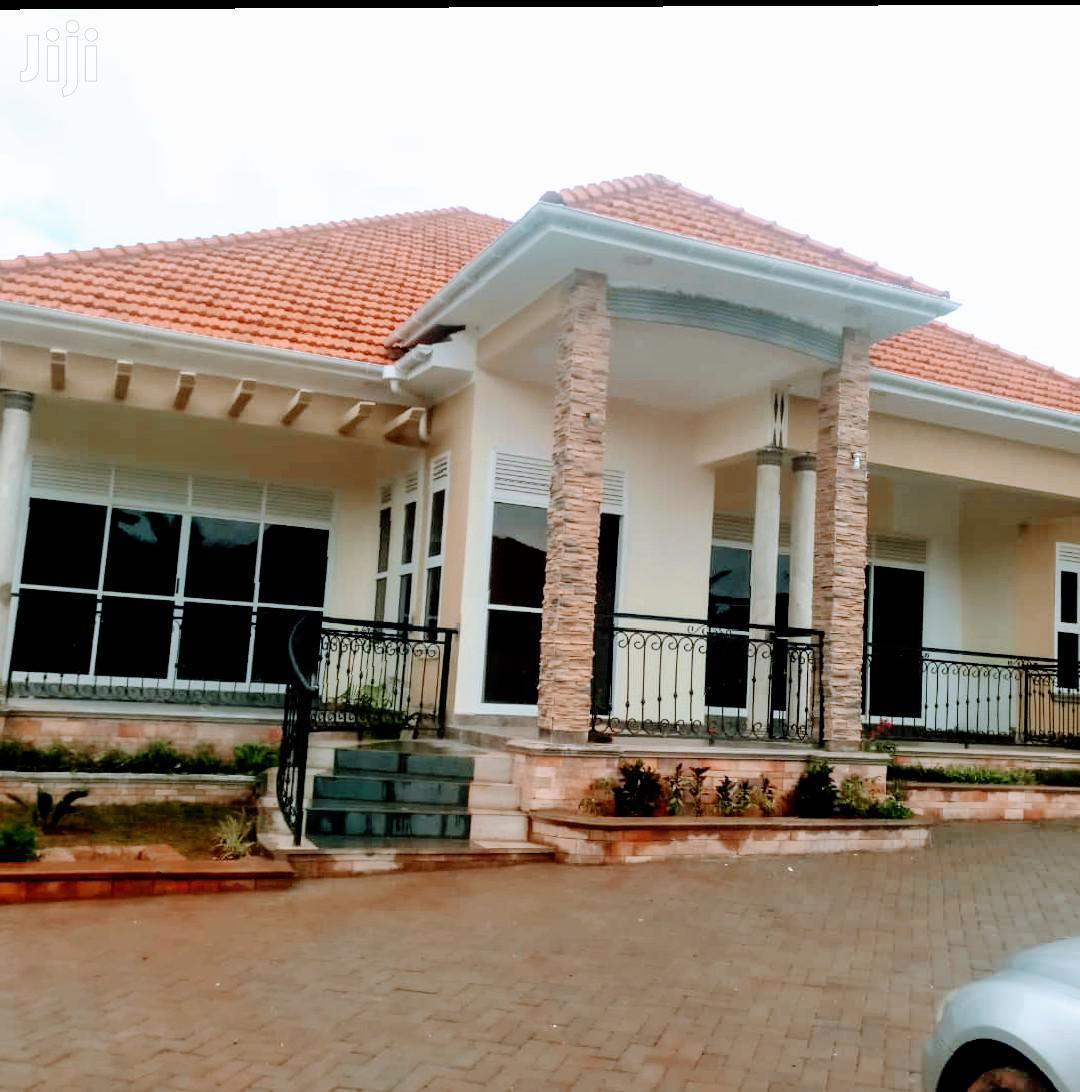 Archive: Kira Posh Family House on Sell