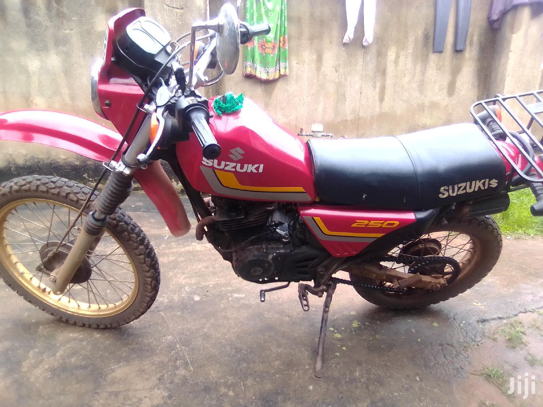 Archive: Suzuki Bike 2002 Red