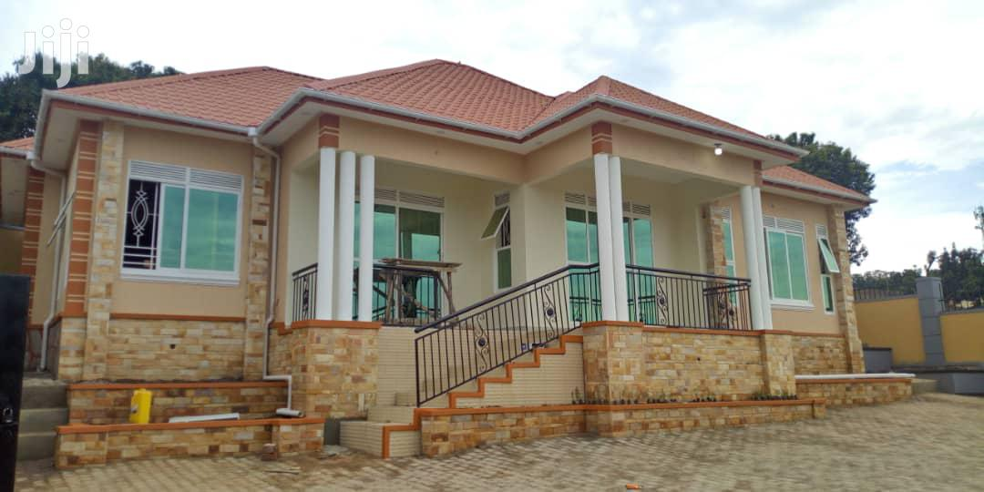 Three Bedroom House In Kitende Entebbe Road For Sale | Houses & Apartments For Sale for sale in Kampala, Central Region, Uganda