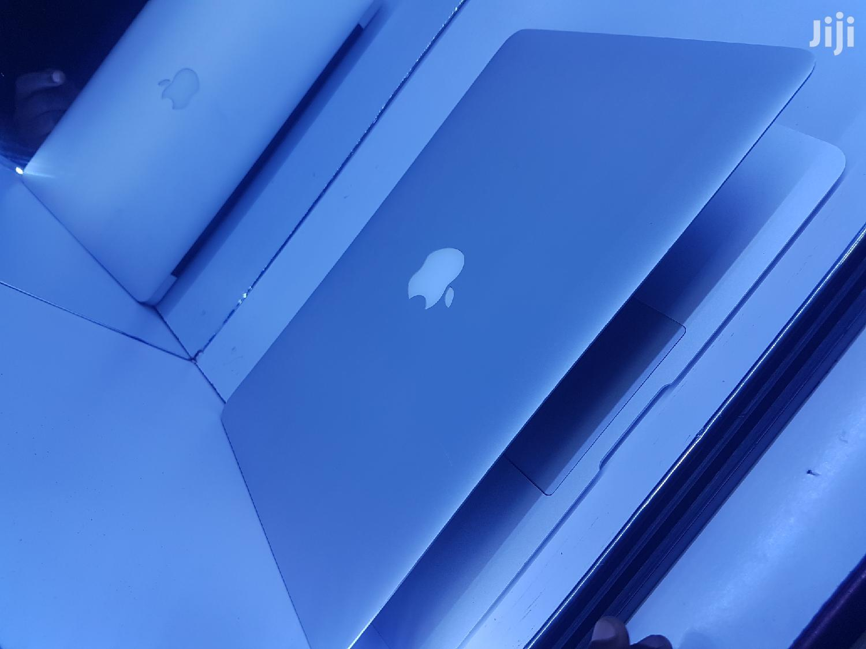 Laptop Apple MacBook Air 4GB Intel Core i5 SSD 128GB