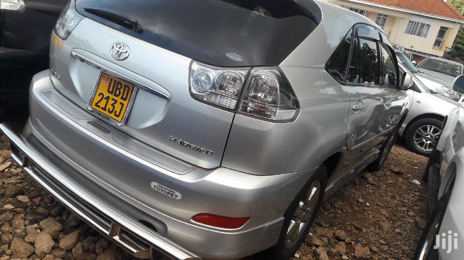 Archive: Toyota Harrier 2006 Silver
