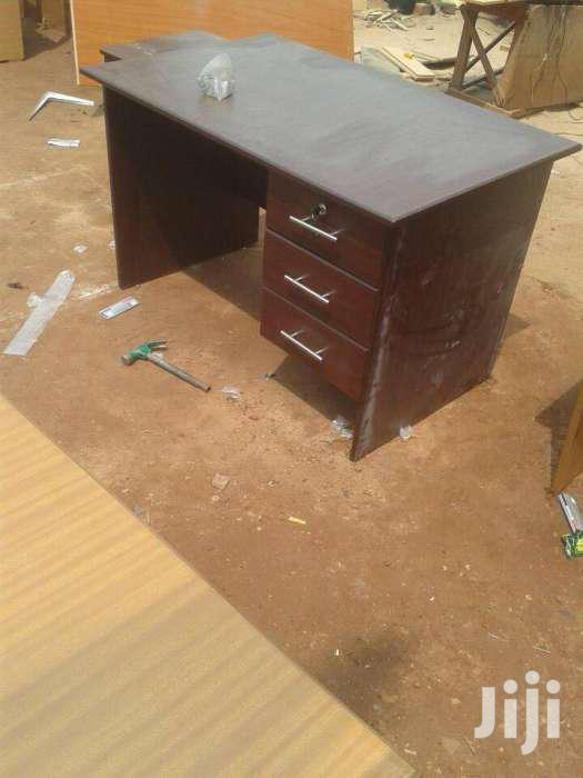 Office Table Etimo