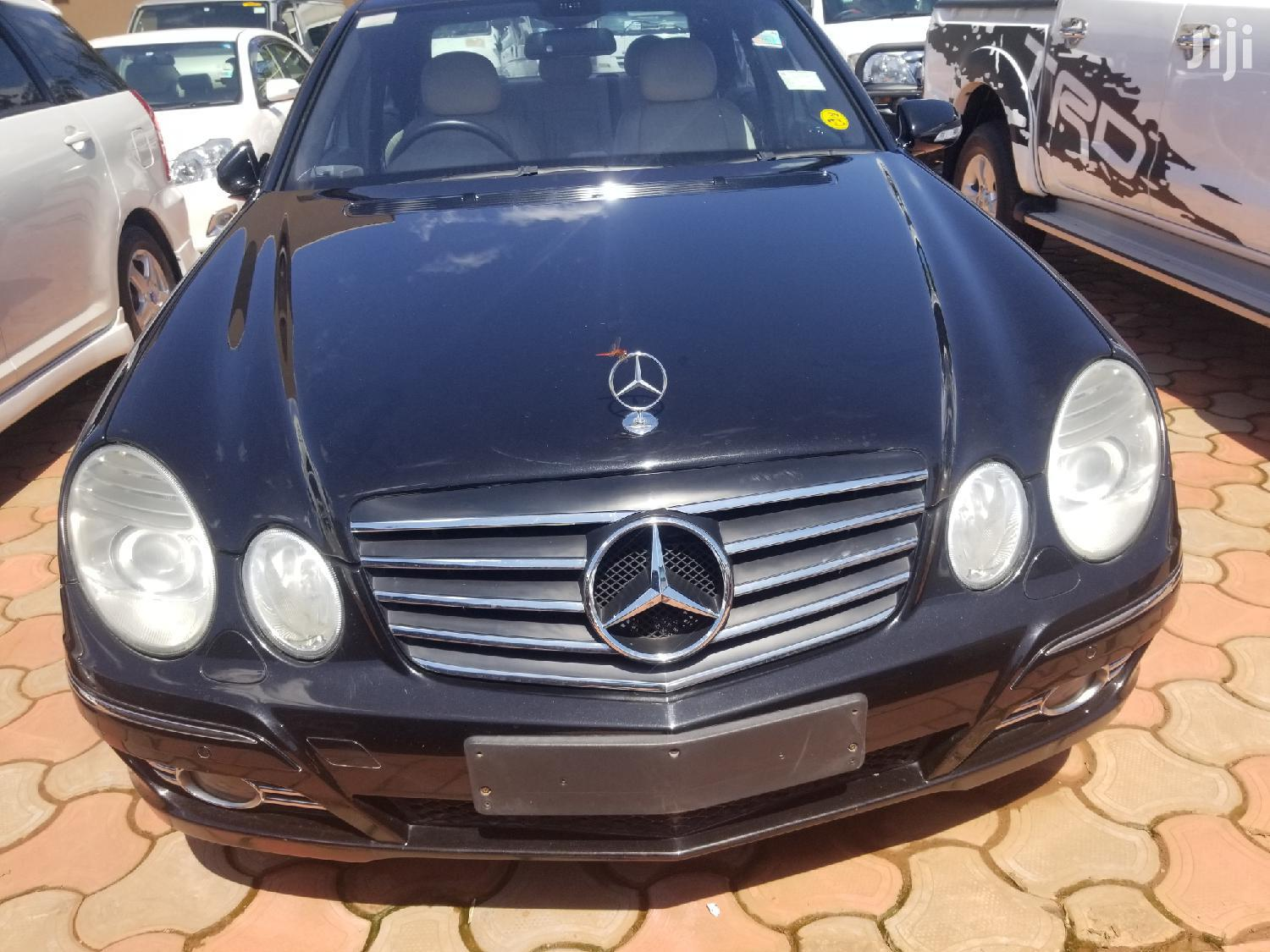 Mercedes-Benz E200 2010 Black