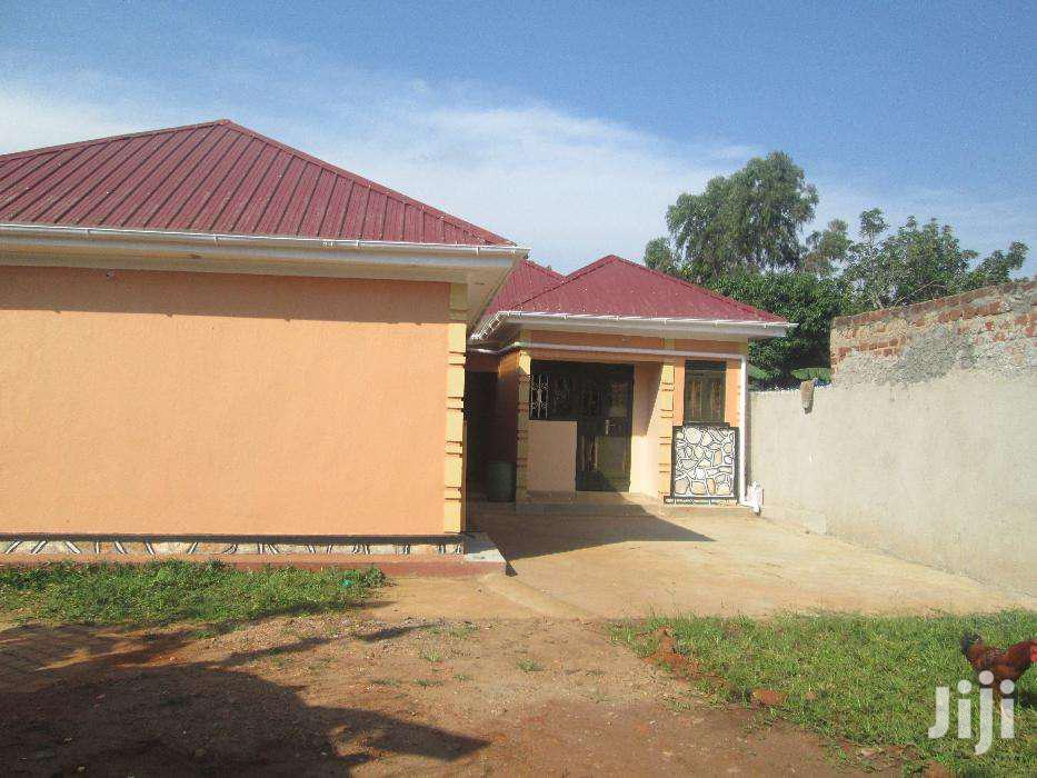 Brand New Wide Self Contained Double  In Kirinya-bwegererere