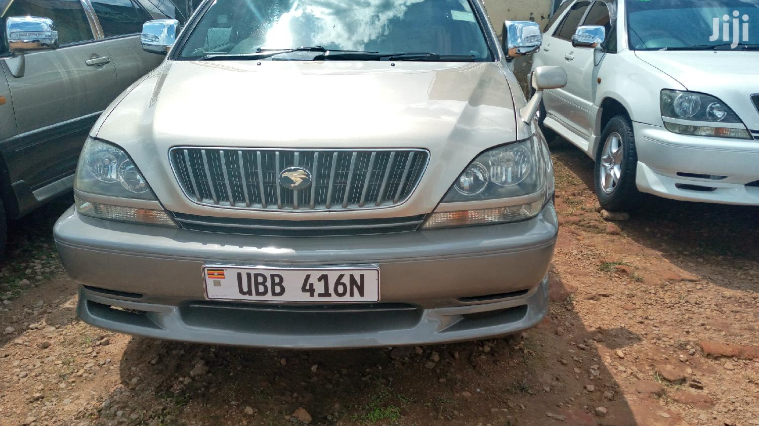 New Toyota Harrier 2000 Silver