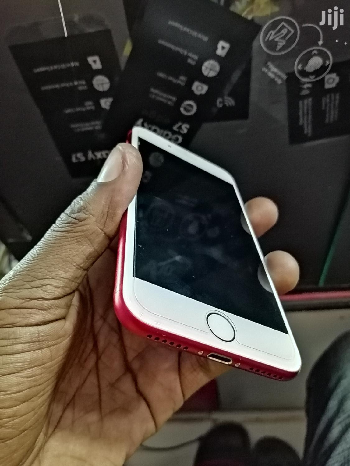 Apple iPhone 7 32 GB Red