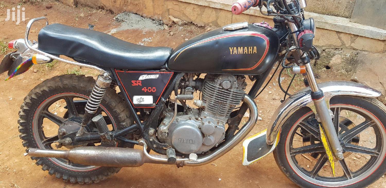 Archive: Yamaha 2000 Black
