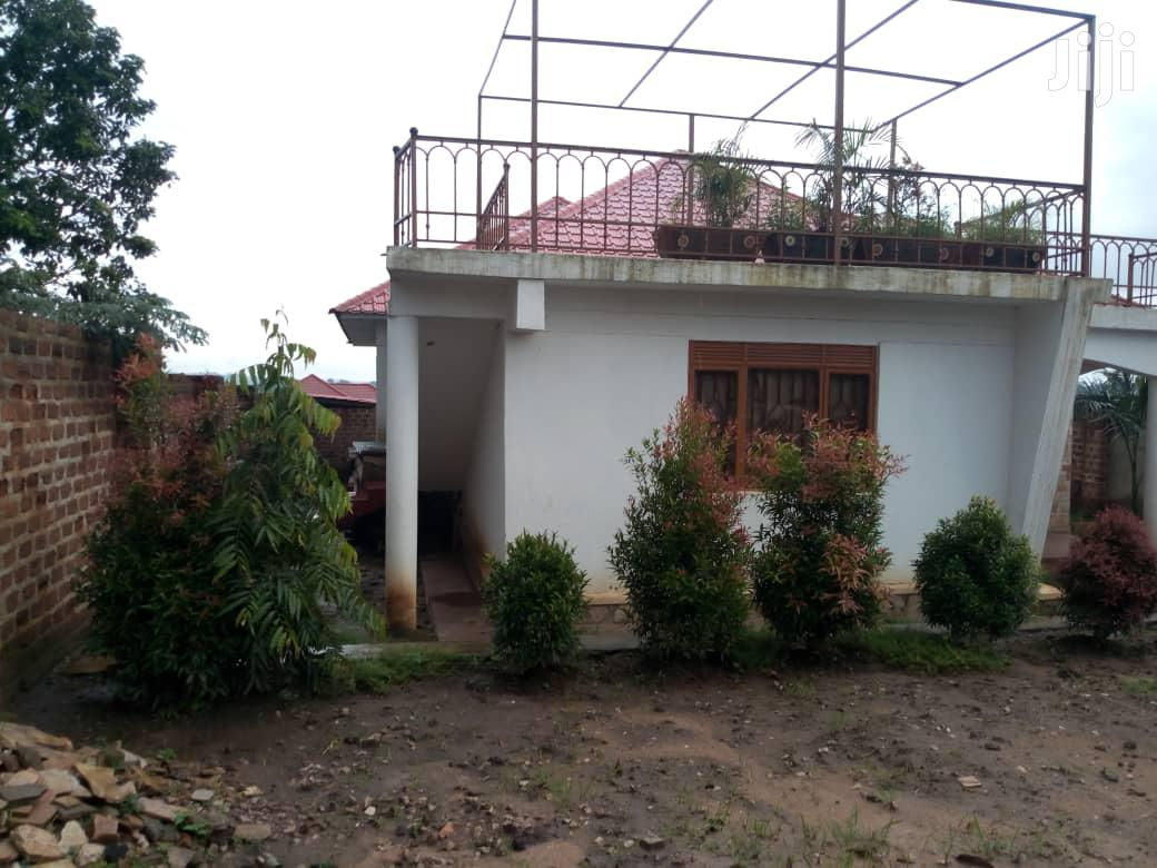 Archive: Three Bedroom House In Gayaza For Sale