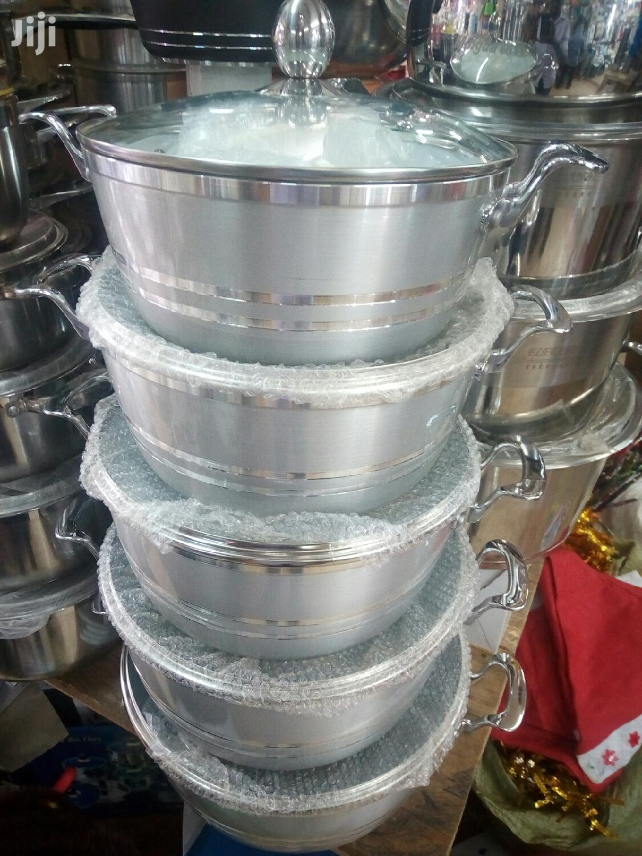 Non Sticking 5pcs Serving Dishes