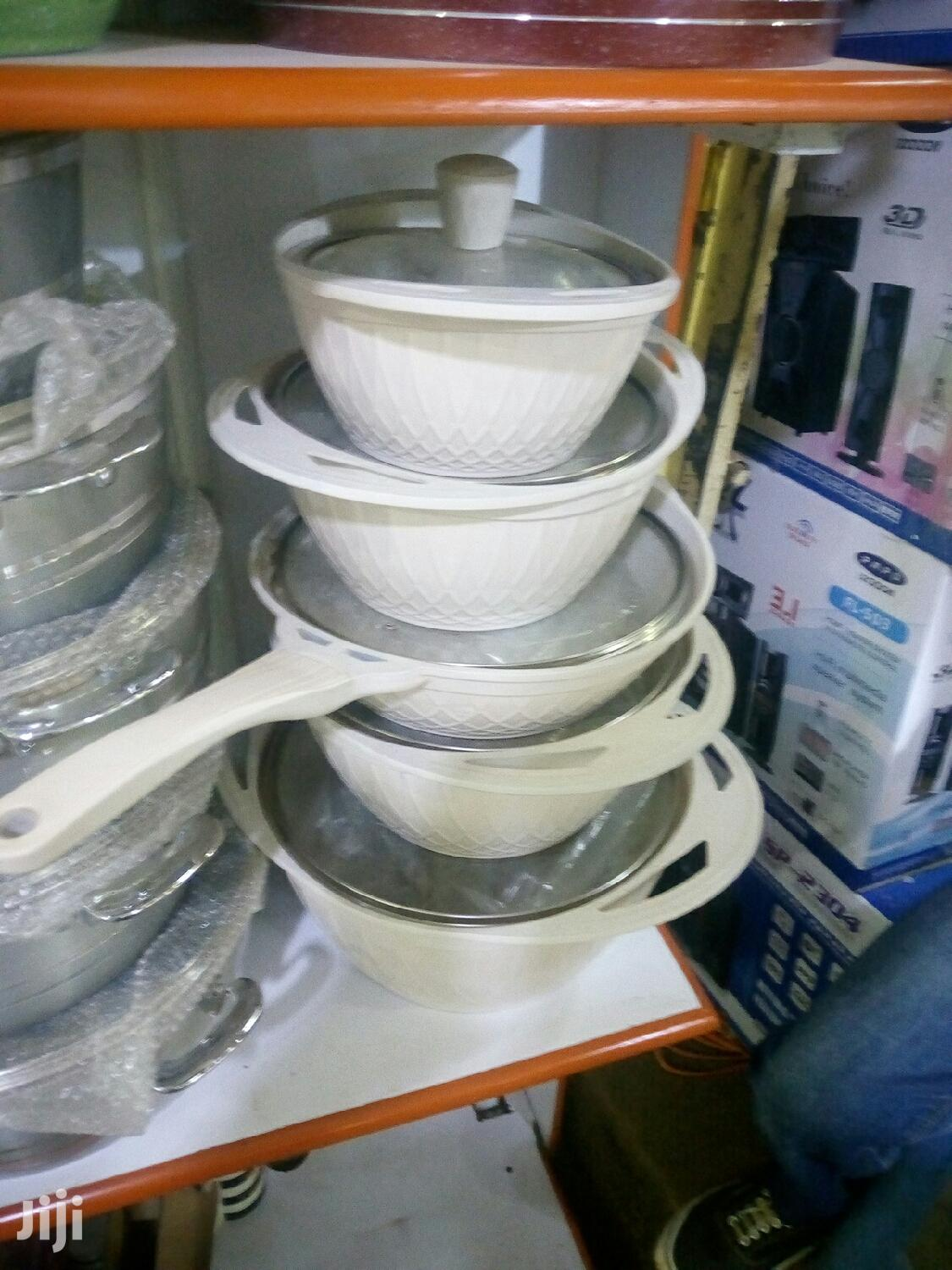 Its A 5pcs Non Sticking Serving Dishes   Kitchen & Dining for sale in Kampala, Central Region, Uganda