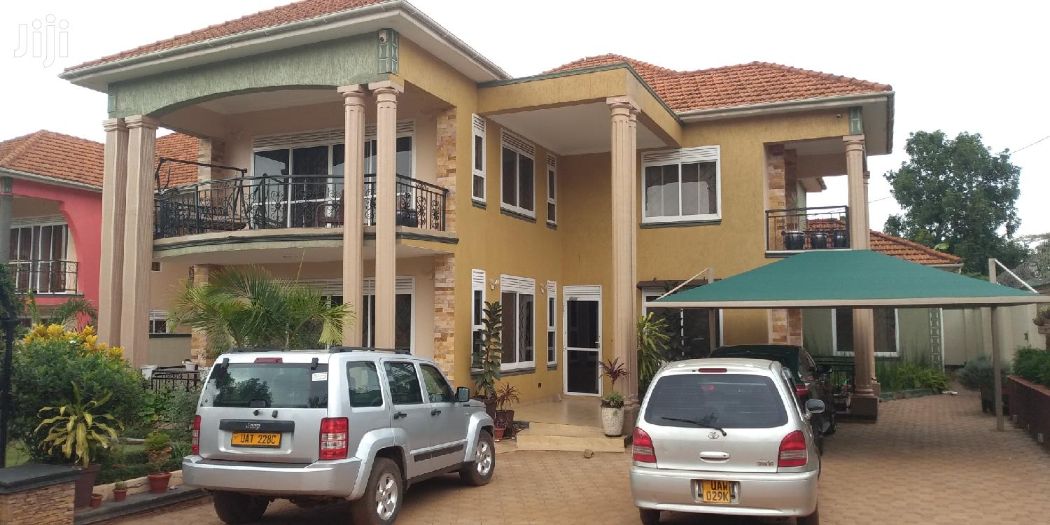 Archive: Ntinda Nalya Link Six Bedrooms House for Sale With Ready Land Title