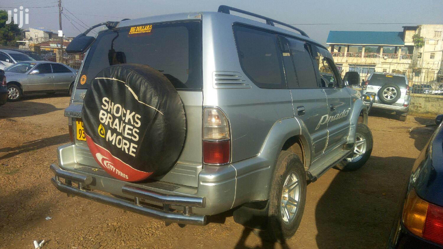 Archive: Toyota Land Cruiser 2000 Silver