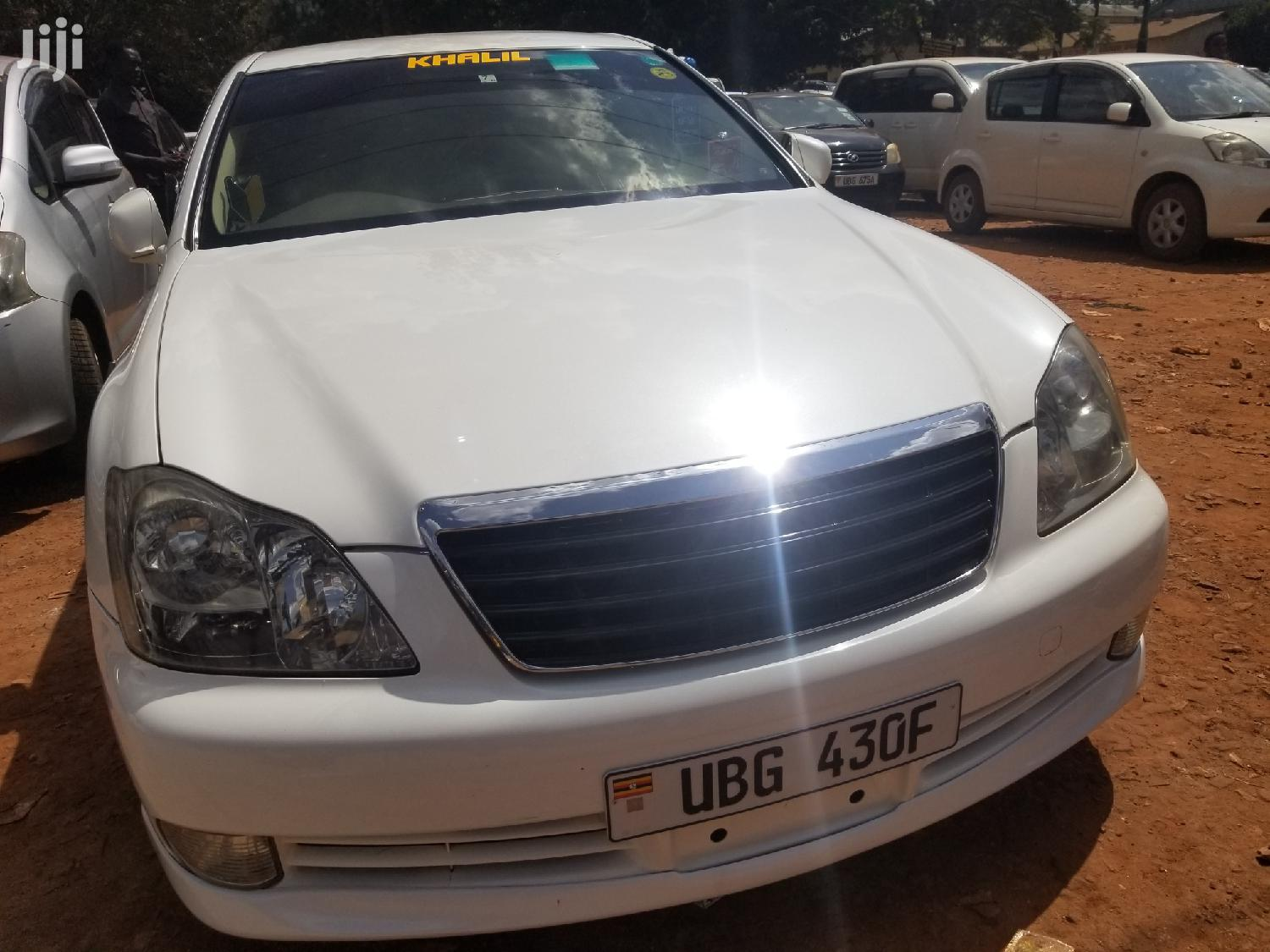 Toyota Crown 2007 White