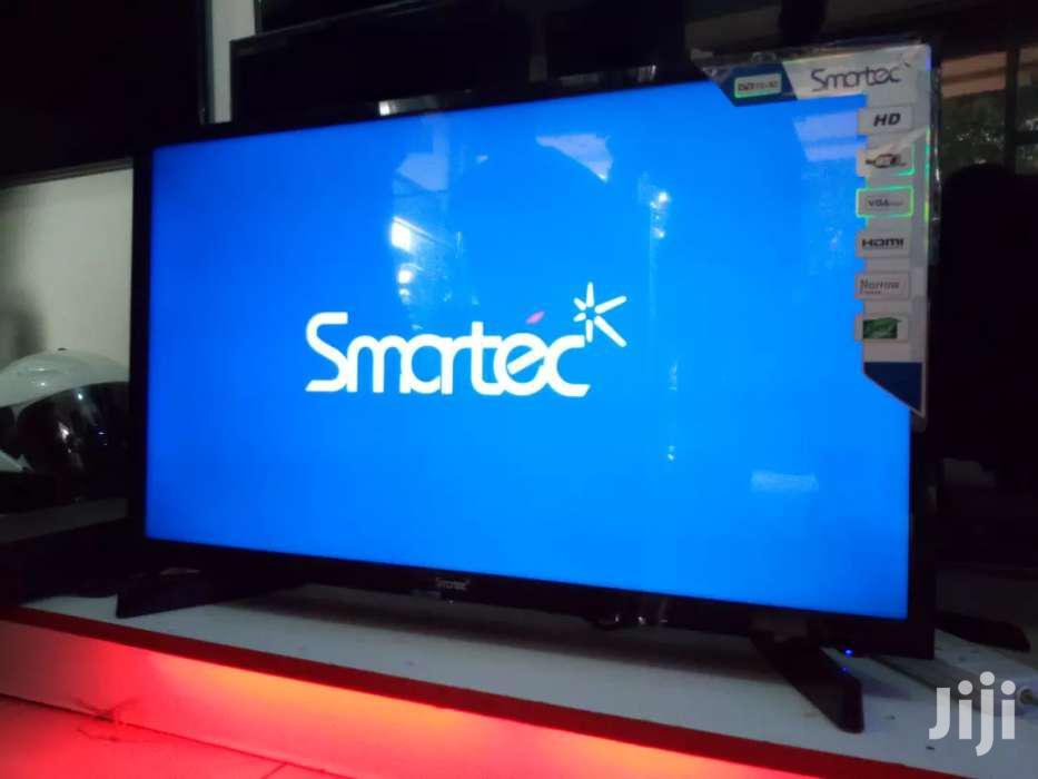 Smartec Flat Screen TV 32 Inches